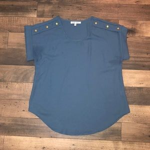 Blue blouse with cute buttons on shoulders